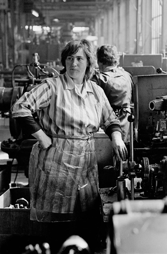 woman worker, Lee Howl pump factory,Tipton 1978