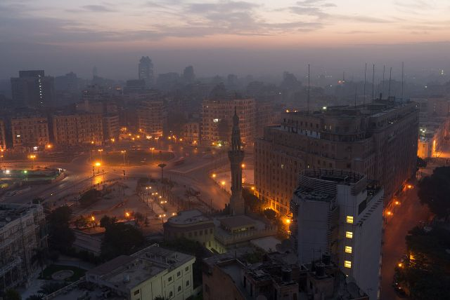 Tahrir_Square,_Cairo,_in_the_early_morning